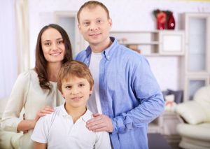 parents_couple_with_boy_kid_web